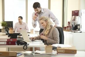 Koffiemachine op kantoor cf beaumont koffie limburg - Decoreren van een professioneel kantoor ...